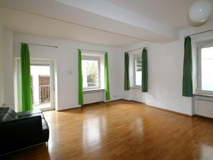 2-Zimmer-Wohnung-Salzburg-Andräviertel-Wohnzimmer