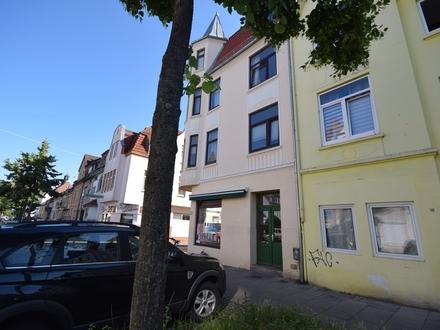 Attraktive Lage in Walle ! 2-Zimmer-Wohnung mit Dielenboden und hohen Räumen