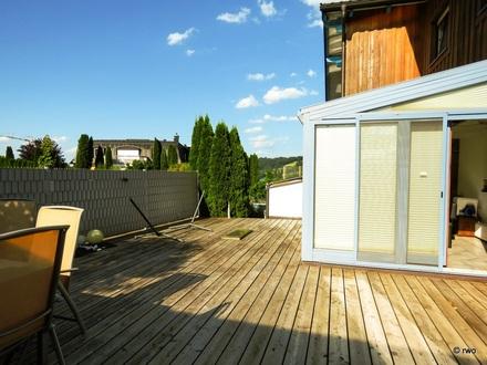 Ein-/Zweifamilienhaus in MATTSEE / Großzügig - Ruhig - Sonnig