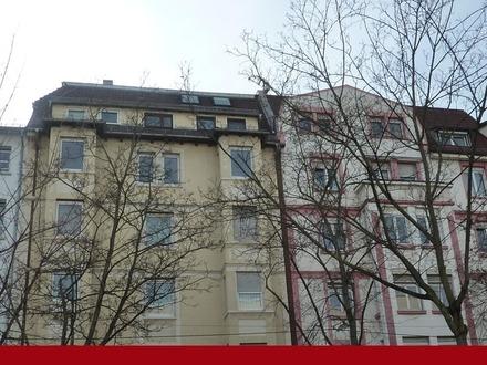 WG-geeignete 3 1/2 - 4 Zimmer-Altbau-Wohnung
