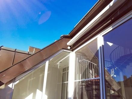 Lichtdurchflutete 3-Zimmer-Maisonettewohnung mit Dachterrasse im Zentrum Weidens