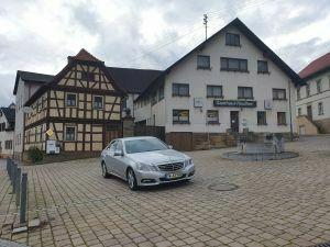Riesiges Anwesen / 3 Häuser in 97461 Hofheim-Rügheim zwischen Schweinfurt und Haßfurt