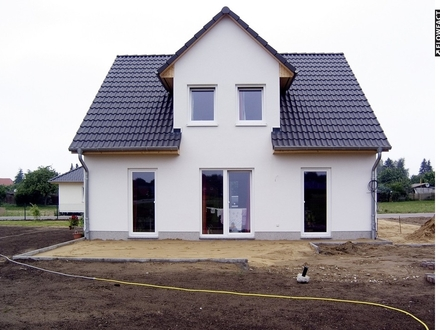 Massivhaus und Grundstück von Town & Country