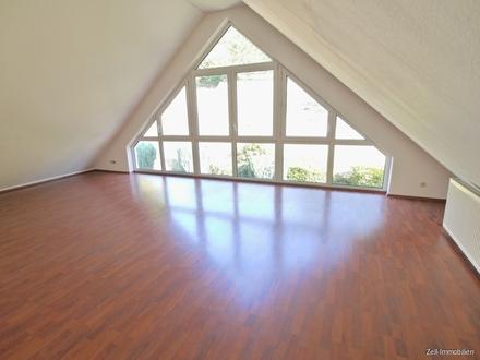 Dachgeschosswohnung mit Panoramafenster in Aulhausen -Virtuelle 360 Grad Besichtigung möglich!-