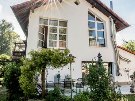 Alle zusammen - jeder für sich! Wunderschönes Zweifamilienhaus in Mauerstetten bei Kaufbeuren.