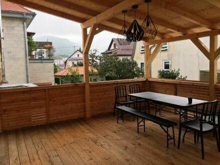 Freistehendes Einfamilienhaus in Eningen mit Garten und Garage