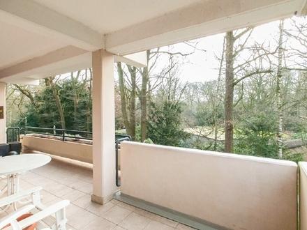 Sehr großzügige Eigentumswohnung mit Blick in herrliche Parklandschaft