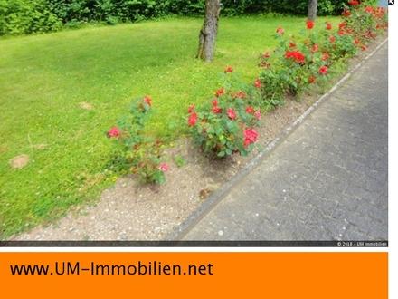 EFH / ZFH in Burghausen Neustadt mit Garten und 2 Garagen-Stellplätzen