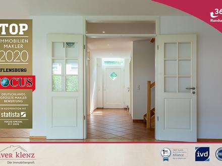 Größeres Zuhause gesucht - modernes Reihenhaus mit viel Platz.