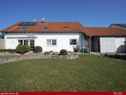 * * * Einfamilienhaus mit separater Dachwohnung in ruhiger Lage * * *
