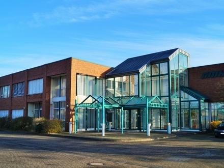Bürogebäude mit Lagerhalle in Bargeshagen   www. LUTTER.net