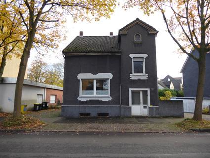 Alt-Derne ... 573m² Grundstück inclusive 1-2 Familienhaus, Terrasse & Garten & XL-Garage & Carport