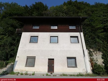 Renovierungsbedürftiges Mehrfamilienhaus mit 2 Waldgrundstücken in sonniger Lage von Kiefersfelden