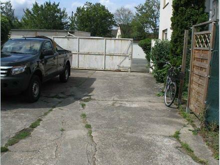 Parkplatz, Zufahrt