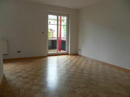 +++Gemütliche Wohnung mit Parkett, Balkon und PKW-SP+++