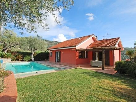 Zweifamilienvilla mit Pool