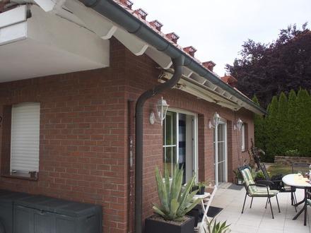 * Modernes Haus mit idyllischer Hanglage mitten im Erholungsgebiet *