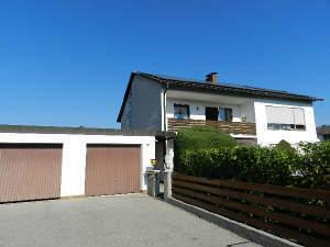 gepflegtes Zweifamilienhaus in sehr schöner Wohnlage von Burgkirchen