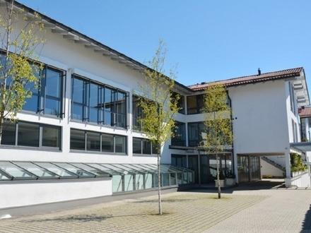 Moderne Büro/Praxisfläche direkt an der A8 im Landkreis Miesbach