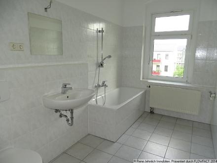 Schöne 2 Raum Wohnung am Brühl + Fußboden nach Wunsch