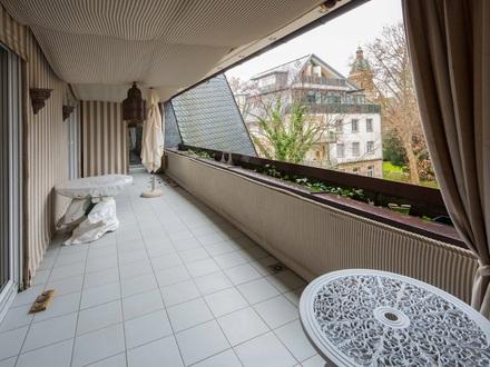 Mit Blick auf die Christuskirche - Besondere 6 ZKB mit großer Sonnenterrasse und Lift!