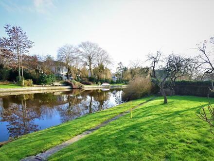Direkte Kanallage in Emden (OT Wolthusen)! Sanierungsbedürftige Doppelhaushälfte auf traumhaftem Kanalgrundstück!