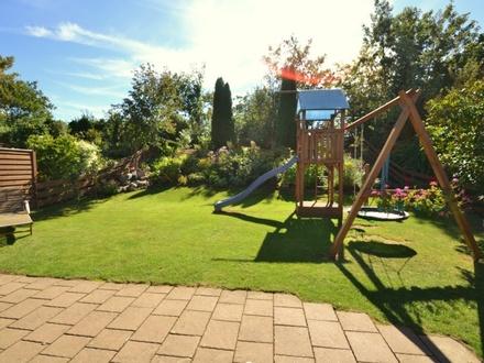Einziehen & Wohlfühlen, modernisierte Doppelhaushälfte mit Sonnengarten in beliebter Wohnlage