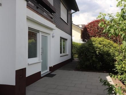 Einliegerwohnung mit sep. Eingang und Terrasse - Siegen-Breitenbach -