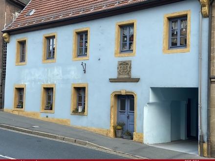 Großzügiges Wohn- und Geschäftshaus im Stadtzentrum von Creußen mit viel Potenzial!
