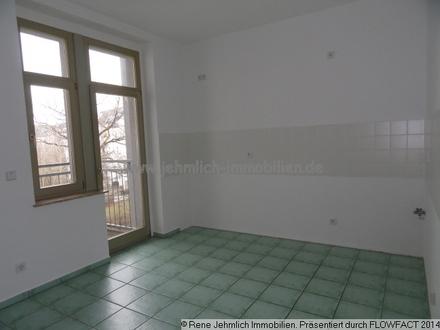 Grosse Küche mit Balkon