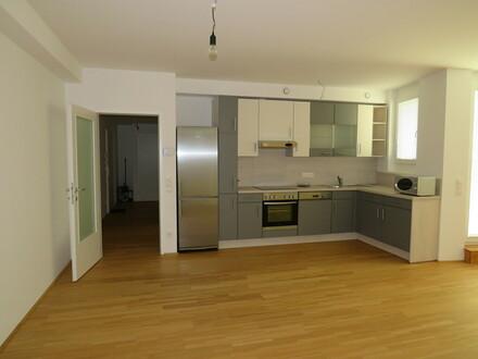 Zentrale, großzügige 3 Zimmer-Balkon-Wohnung in Schwechat!