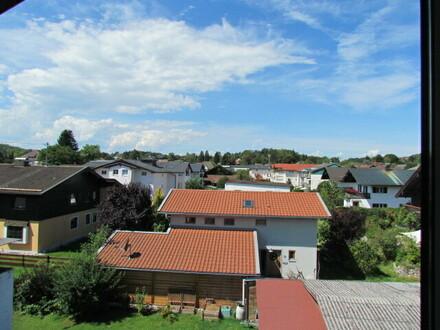Hochwertig ausgebautes Dachgeschoss - Penthouse-Wohnung im Zentrum mit Bergblick - zur Miete