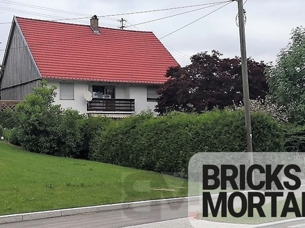 Einfamilienhaus mit Garten und Lagerhalle inkl. Kfz-Werkstatt-Grube