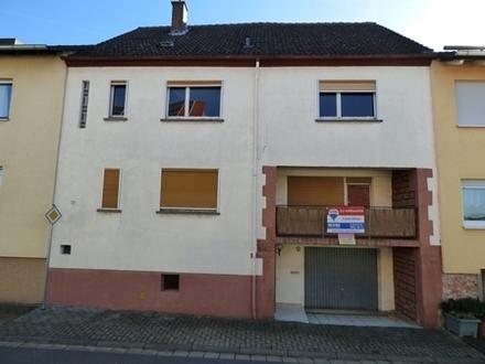 Kaufen Sie ab € 325,- mtl.* / Riesiges EFH-RMH & großem Grundstück ! Keine Käuferprovision!