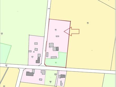 Hofstelle / Wohnhaus mit landw. Gebäuden