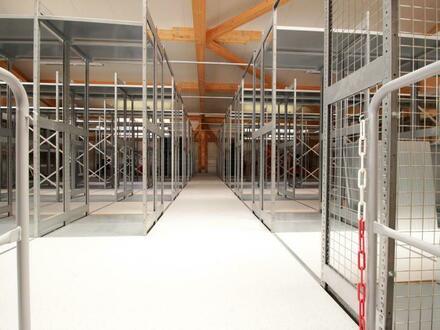 Top ausgestattete Lagerfläche in neuwertiger Halle!