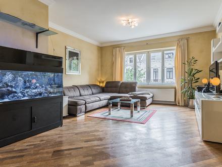 Stilvolle Eigentumswohnung in wunderschöner Lage in Bremen-Schwachhausen .