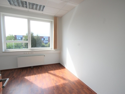 Modernes Büro mit Extra-Lagerfläche