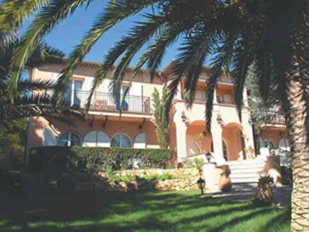 Traumhafte Villa mit Meerblick in der Nähe von St. Tropez