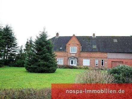 Großzügige Doppelhaushälfte mit Einliegerwohnung auf einem großem Grundstück!