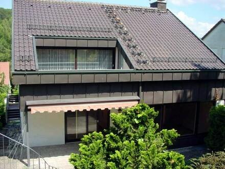 2 1/2-ZIMMER-MIETWOHNUNG i.Bestzustand m.Garten,Parkett,neuem Bad & Südterrasse in STUTTGART-BOTNANG