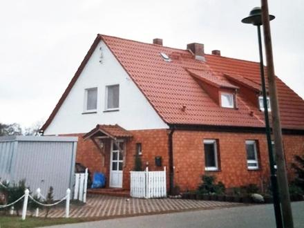 Haus im Grünen auf großem Einzelgrundstück und Ausbaupotential