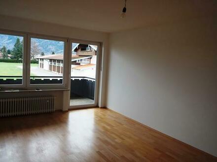 SONNIGE 2-Zimmerwohnung 1.OG mit Balkon in Grassau zu vermieten