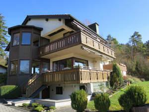 Wohnhaus(DHH) in wunderschöner Aussichtslage