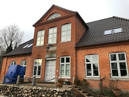 Hochwertige Wohnung in charmantem Herrenhaus in Husum