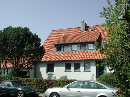 Großzügiges Einfamilienhaus mit Büro und einer Einliegerwohnung in BS-Stöckheim