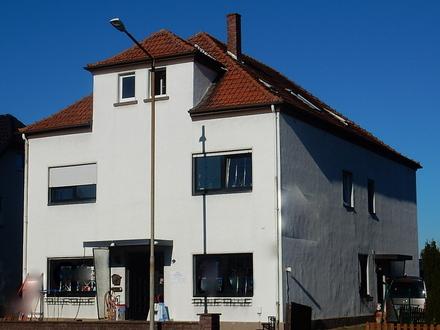 Großzügiges 2-3 Familienhaus mit 5 Garagen und großem Grundstück mit zusätzlichem Bauplatz in Löhne