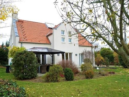 Ein Meisterwerk der Architektur in Familienfreundlicher Lage vom Kanzlerfeld!