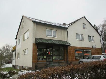 Geräumiges Wohnhaus mit Ladengeschäft in Neusorg