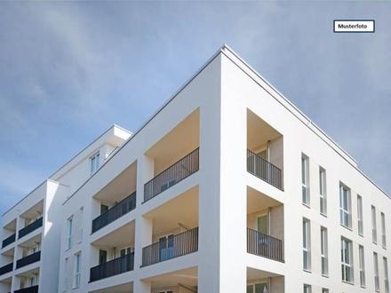 Zwangsversteigerung Dachgeschosswohnung in 70372 Stuttgart, Gasteiner Str.